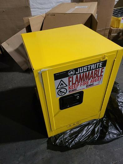 Justrite 4 Gallon Flammable Liquid Storage Cabinet #8904205 NEW IN BOX
