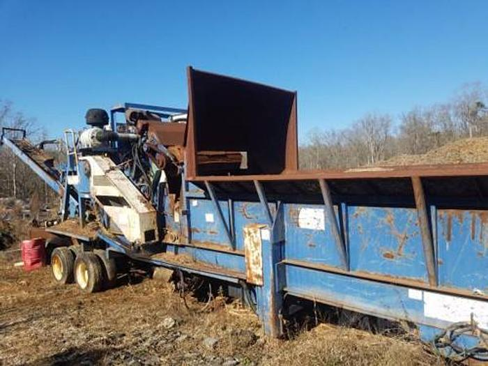 Used 1998 Peterson Pacific 2400 Horizontal Grinder