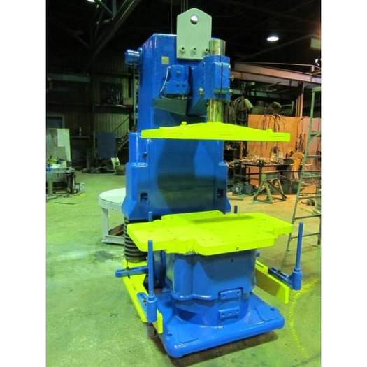 BRITISH MOLDING MACHINE CT6 MOLDING MACHINE