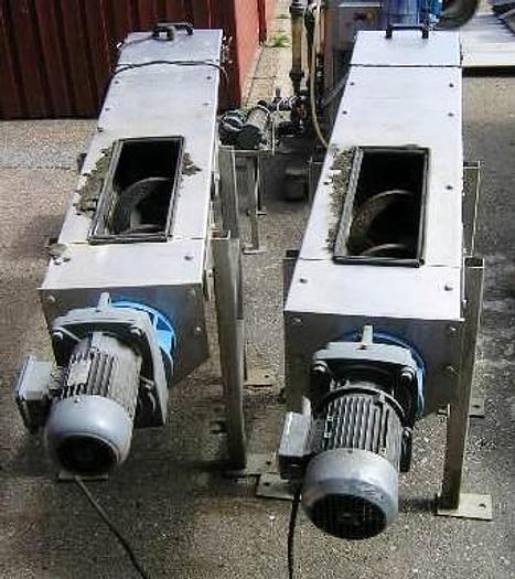 Used Spirax conveyor with gear motor – 0,75 kW, type U260 -P/SS, approx.1 meter length, 1 piece.