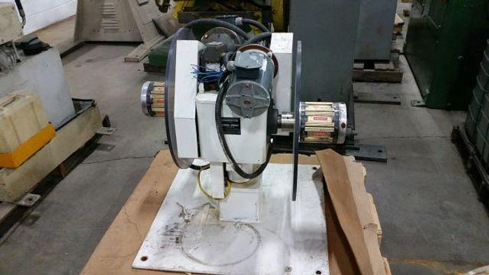 """Used 400# x 8"""" DURANT MOTORIZED DOUBLE END UNCOILER"""