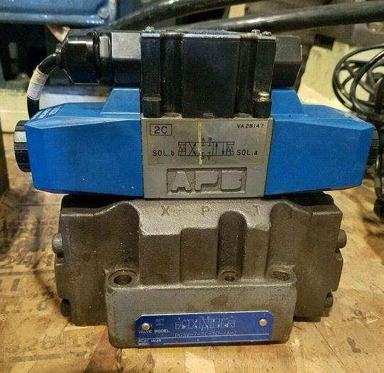 Used Vickers Directional Control Hydraulic Valve 2170 mounted on Valve Block