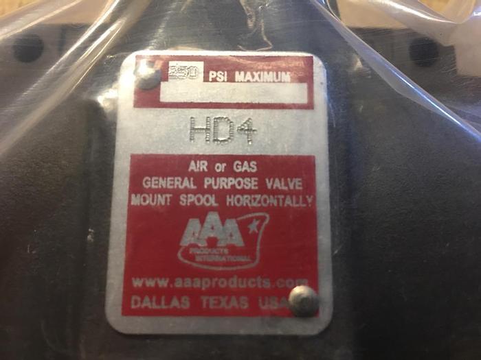 """NEW SURPLUS AAA  # HD4 VALVE 1/2"""" NPT 3-POSITION"""