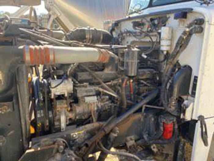 2001 Peterbilt 379 Body Load Acid Pump