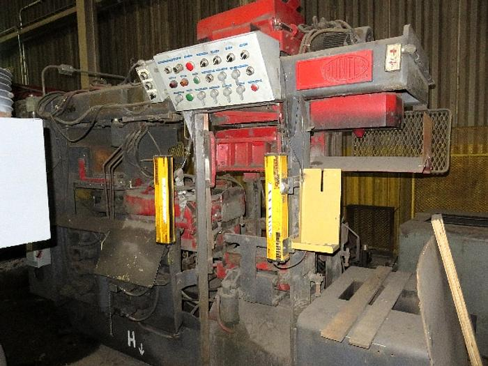 1975 HUNTER HMP10 AUTOMATIC MOLDING MACHINE
