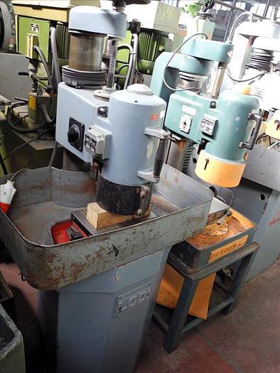 Usata Rettifica per piani con mola a tazza LODI piano magnetico 270 x 155 mm
