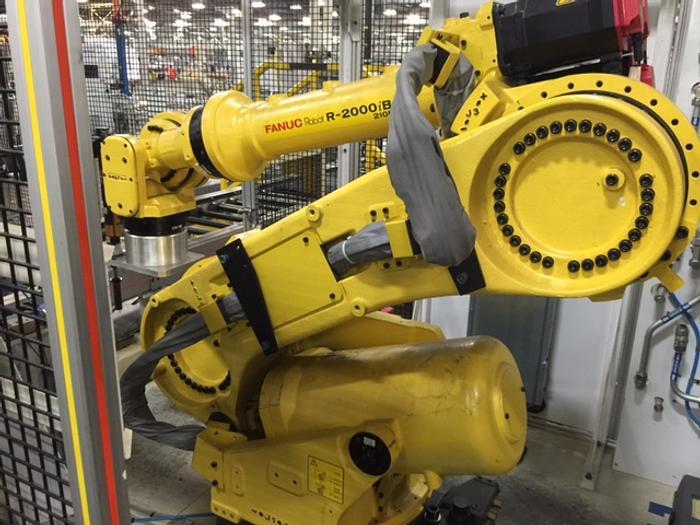Used Fanuc R-2000IB/210f's with 30iA Controls