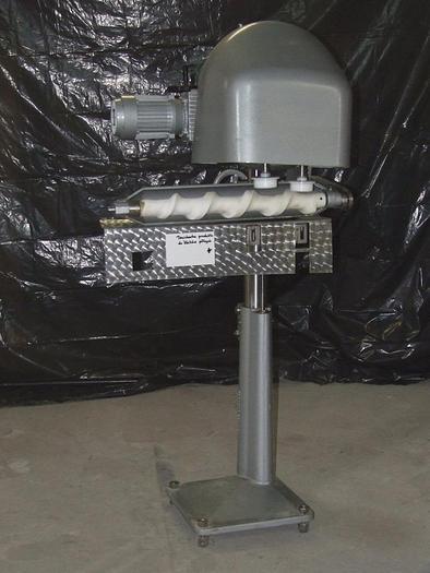 Używane Dociskarka produktu w słoikach i puszkach napełnionych ogórki, fasolka przed zamknieciem