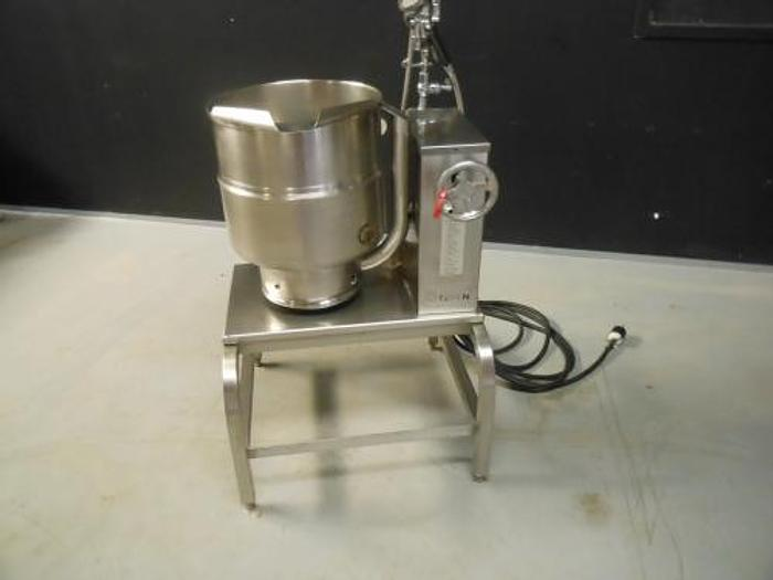 GROEN TDB/7-40 TABLE TOP KETTLE WITH STAND