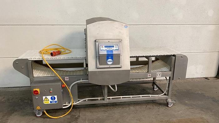 Used Loma IQ3 metal detector