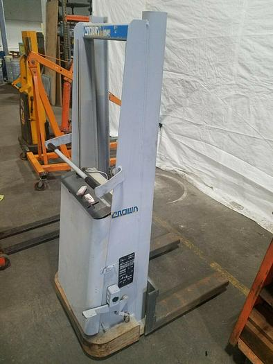 Used Crown Fork Lift 1500 Lb Capacity