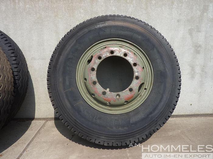Used 11.00r20 tire