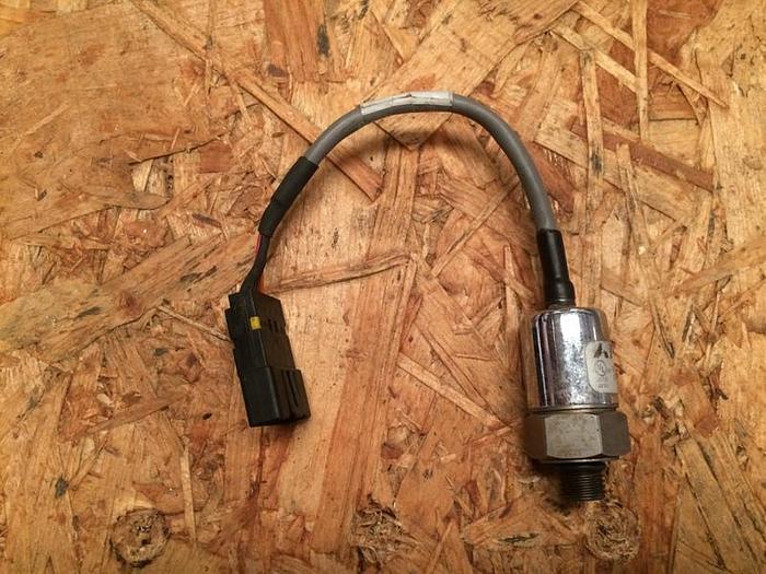Used Capstone Turbine Pressure Transducer (P/N 513684-100)