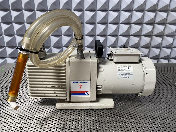 Used Welch  7 8920A DirecTorr Direct Drive Rotary Vane Mechanical Vacuum Pump 115/230V