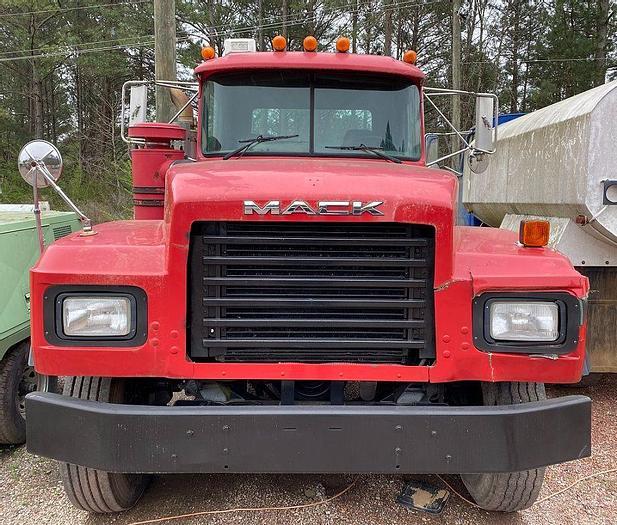 Used 2000 MACK RD688S