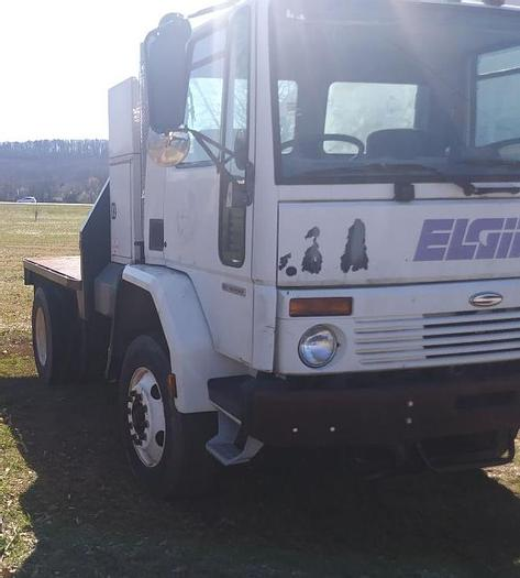 Used 2002 FREIGHTLINER FLD112