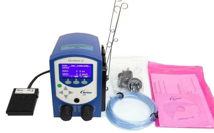 Used Nordson EFD 7002003 Ultimus II Fluid Dispensing System w/ Power Supply (7200) R