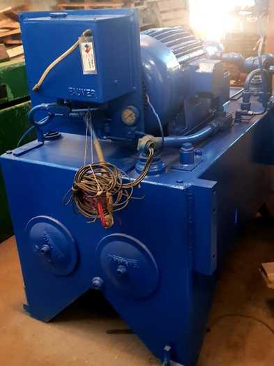 Detroit 15 ton Vertical Broaching Machine