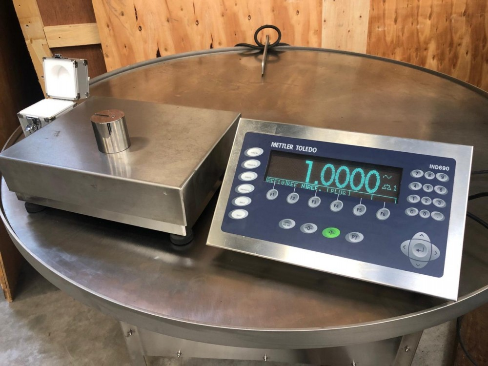Used Mettler toledo weighing scale