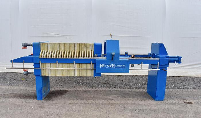 Used USED MET-CHEM FILTER PRESS, RECESSED PLATE, GASKETED, 800 MM X 800 MM, POLYPROPYLENE