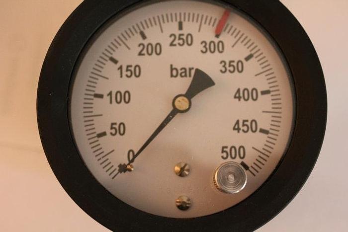 Spare parts Ricambi per presse Pressure gauge with microswitch manometro con microinterruttore