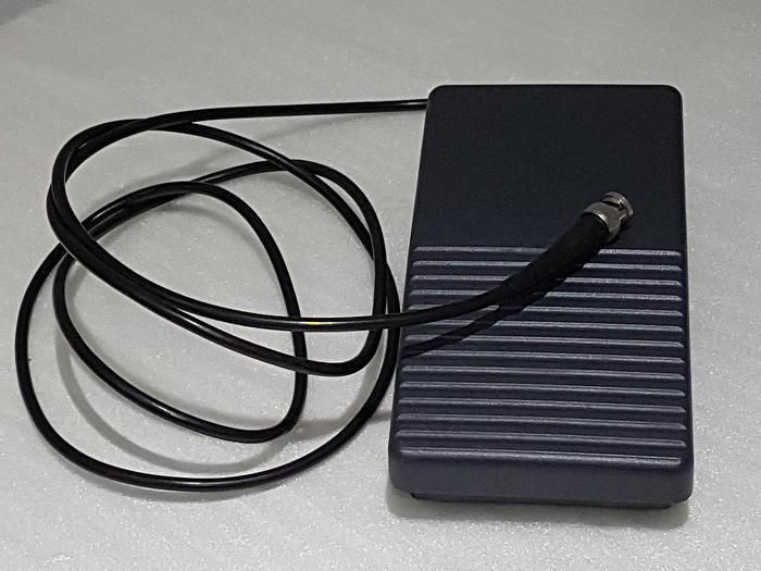 Gebraucht Marquardt 2410.0301 Ergonomischer Eipedal-Fußschalter
