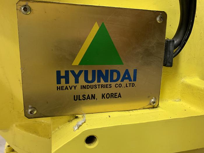 HYUNDIA MODEL HX400 400KG X 2573MM H REACH WITH Hi5-N80U CONTROLLER