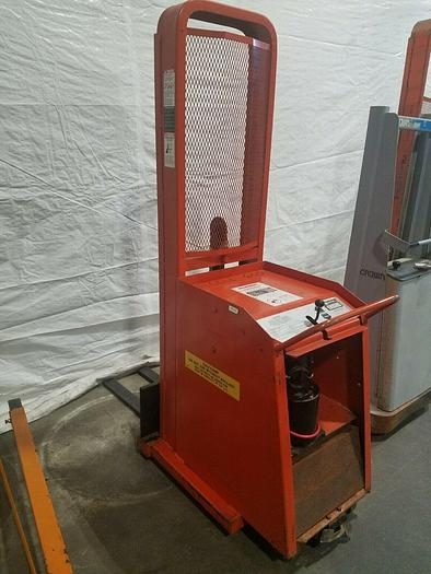 Used Lee Presto 1000 Lb Capacity Lift Truck with charger