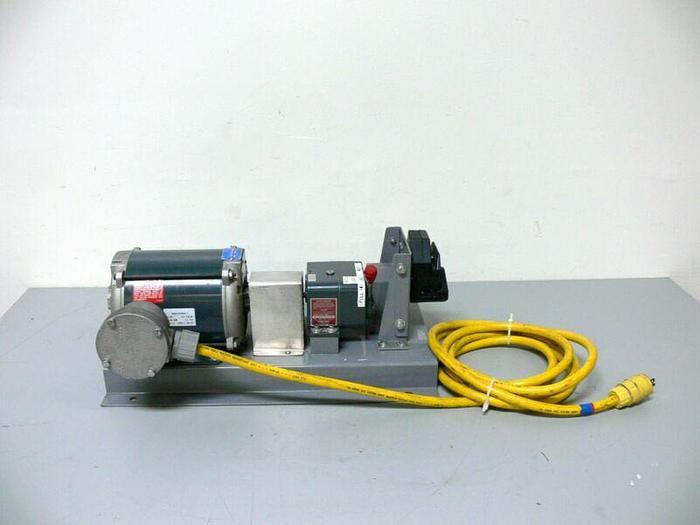 Used Cole Parmer 7583-50 Hazardous Duty Peristaltic Pump 10-430RPM w/ 77200-62 Head