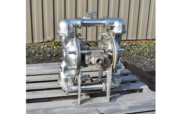 """Used USED DIAPHRAGM PUMP, 2.5"""" X 2"""" INLET & OUTLET, STAINLESS STEEL, SANITARY, SANDPIPER CSP14"""