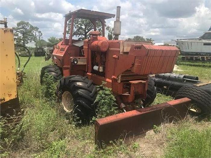 Used 1990 DITCH WITCH R100
