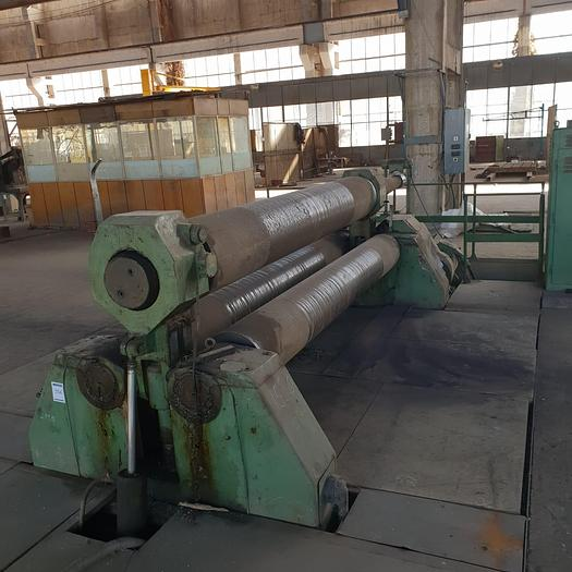 1966 Roll bending machine XZM 3000/25  Strojarne Piesok