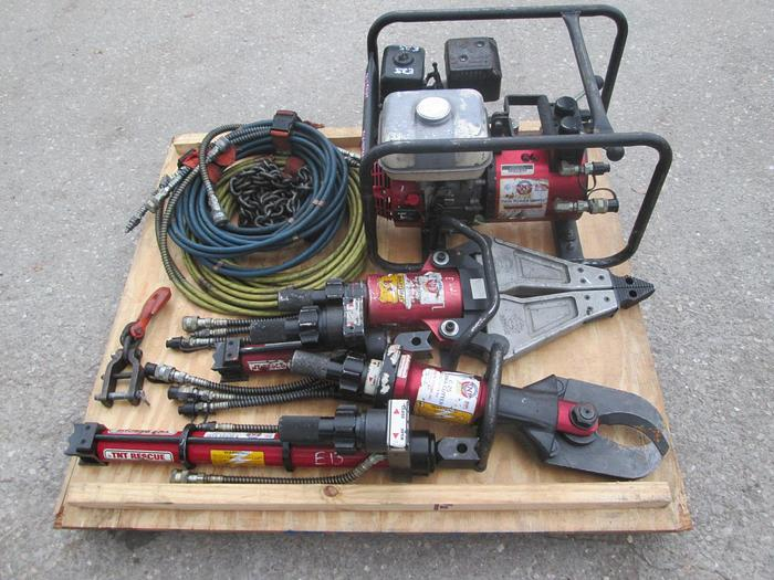 Used TNT Rescue Jaws Of Life Set