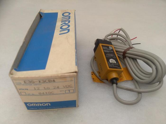 Optischer Sensor, Einweglichtschranke ES3-X3CB4, Omron,  neu