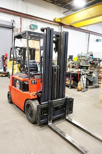 Linde 4500 Lb. Electric Fork Lift Triple Stage E25 B