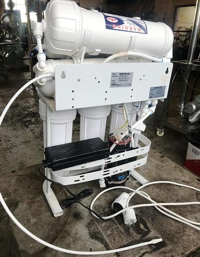 Used Reverse Osmosis system for laboratory applications