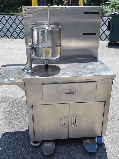 Used 5 GALLON GROEN KETTLE – SANITARY S/S – JACKETED (#9078)