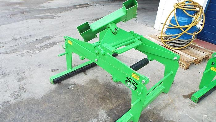 Used Block Grabs  – Attachable to Excavators and Teleporters