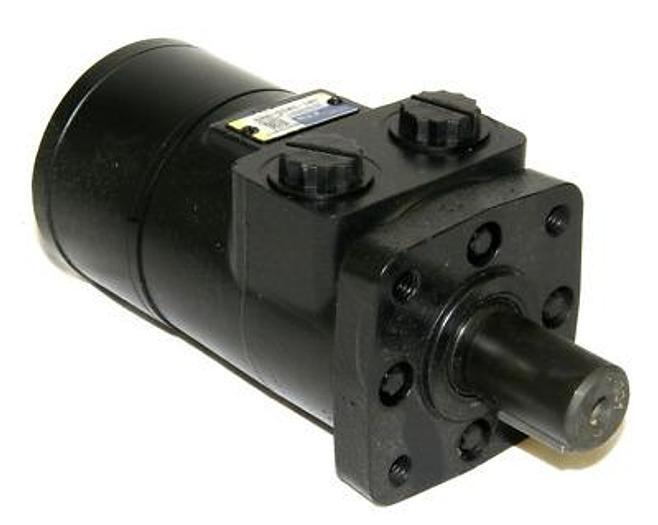 Hydraulikmotor für Hauptkehrwalze Kehrmaschine Comander C82, 3316898 Powerboss,  neu