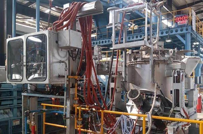 Used ABB PRESS POUR INDUCTION FURNACE