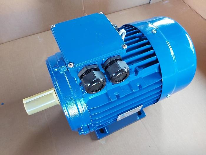 Energy-saving electric motor with foot, JSAA 132S1-2-IE3, 5,5 KW, 2920 rpm, Pfeiffer,  new -40%
