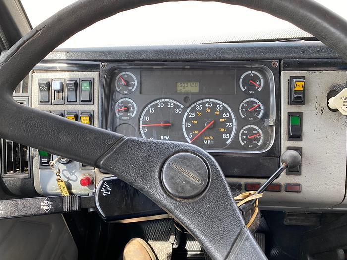 2002 FREIGHTLINER FL112