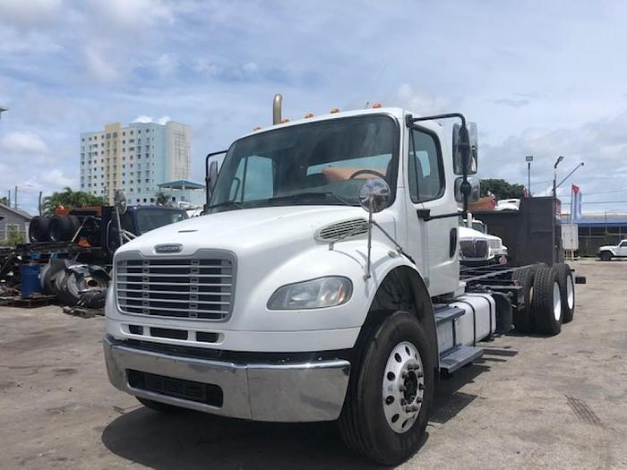 2013 FREIGHTLINER M2 CAB & CHASSIS