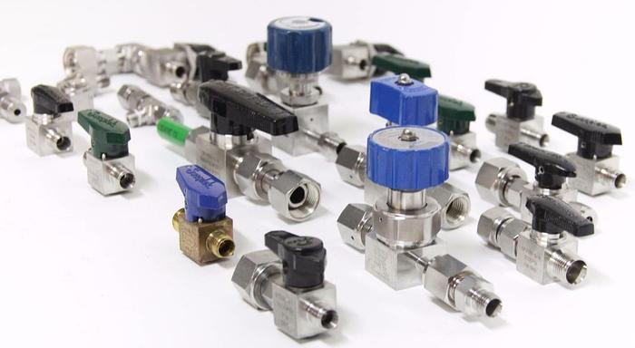 Used Swagelok Hy-lok BMT Superlok Lot of 22 Open Close Valves Parts Diaphragms (5358)