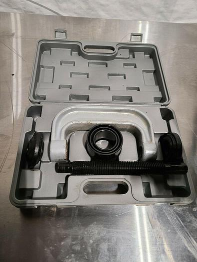 Used Heavy Duty Precision C Clamp Mount in Carrying Case