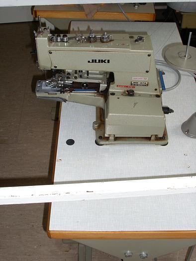 Gebraucht Knopfannähmaschine JUKI  MB-373 2+4- Loch, Ösenknöpfe