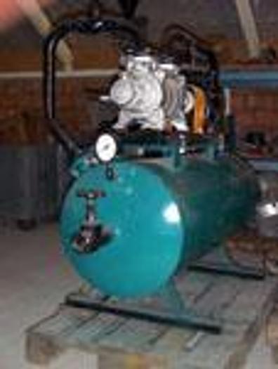 Używane Pompa próżniowa wodna ze zbiornikami wody w obiegu zamkniętym