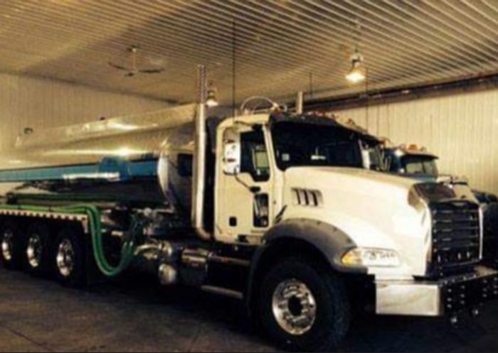 2011 Mack Tri-Drive Potable Water Truck