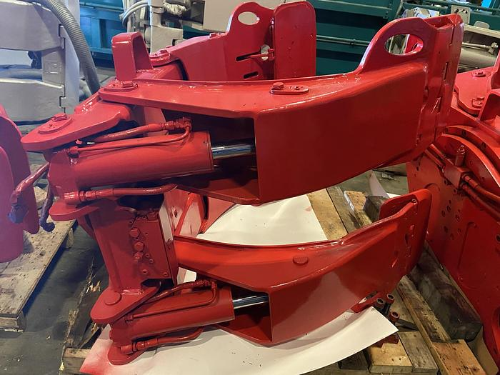 """Used 51"""" BOLZONI ROLL CLAMP ARC-60-1051PS MFG. 2013"""