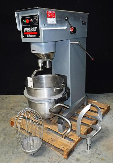 WELBILT 60-QUART PLANETARY MIXER, MODEL W60, WITH FULL COMPLEMENT OF ATTACHMENTS
